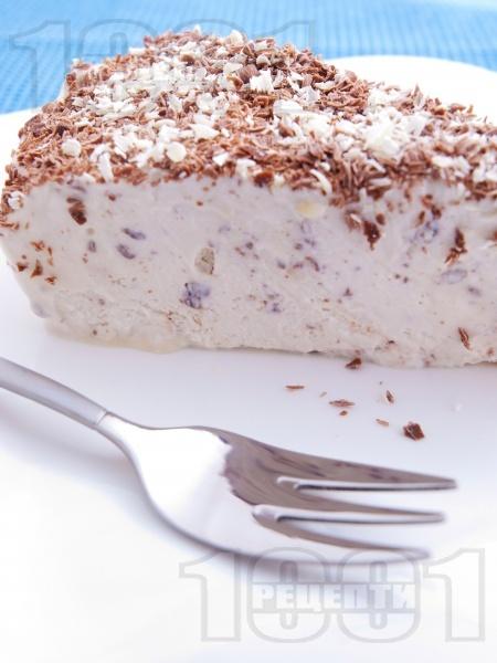 Домашна сладоледена торта Страчатела - снимка на рецептата